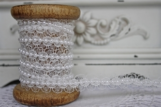 Ivory Lace with White Pearls - 15mm