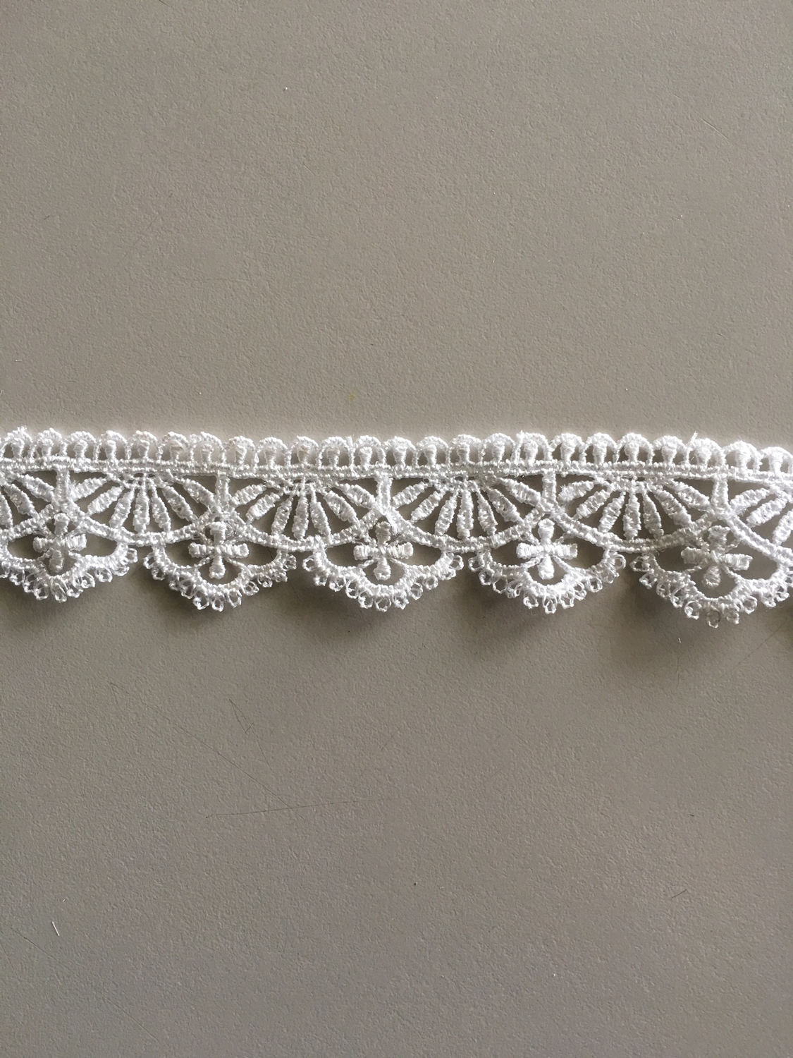 Scallop Arches Lace