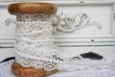 Ivory Lace with White Pearls - 25mm