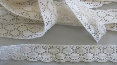 Cream Scallop Lace