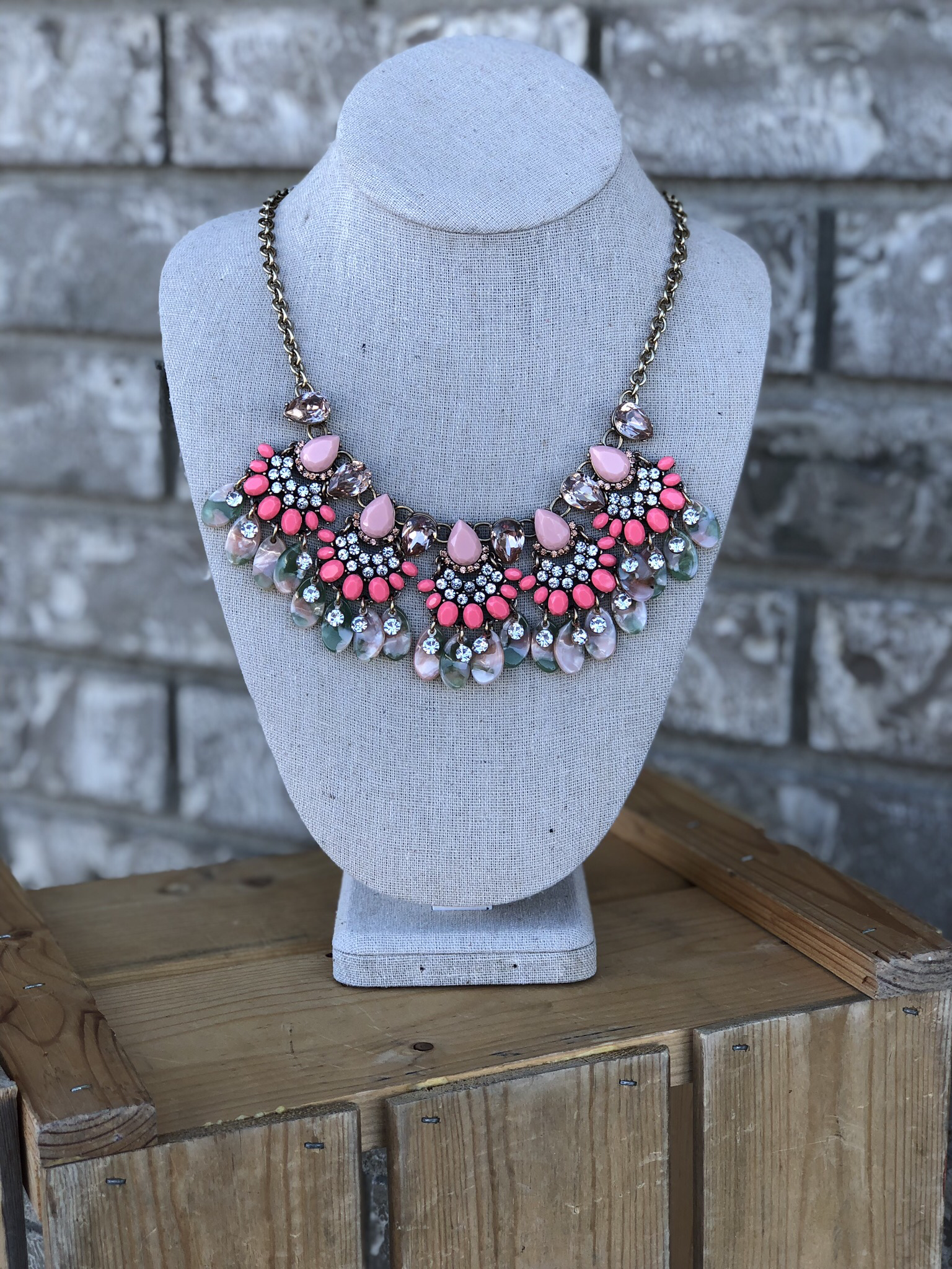 The Coral Cruise Statement Necklace 846321