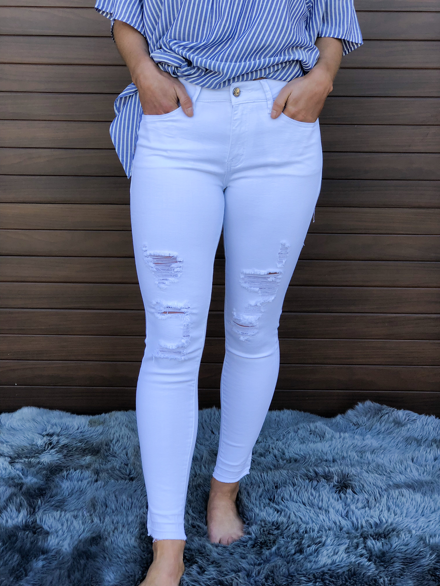 The Kan Can White Distressed Jean 82107
