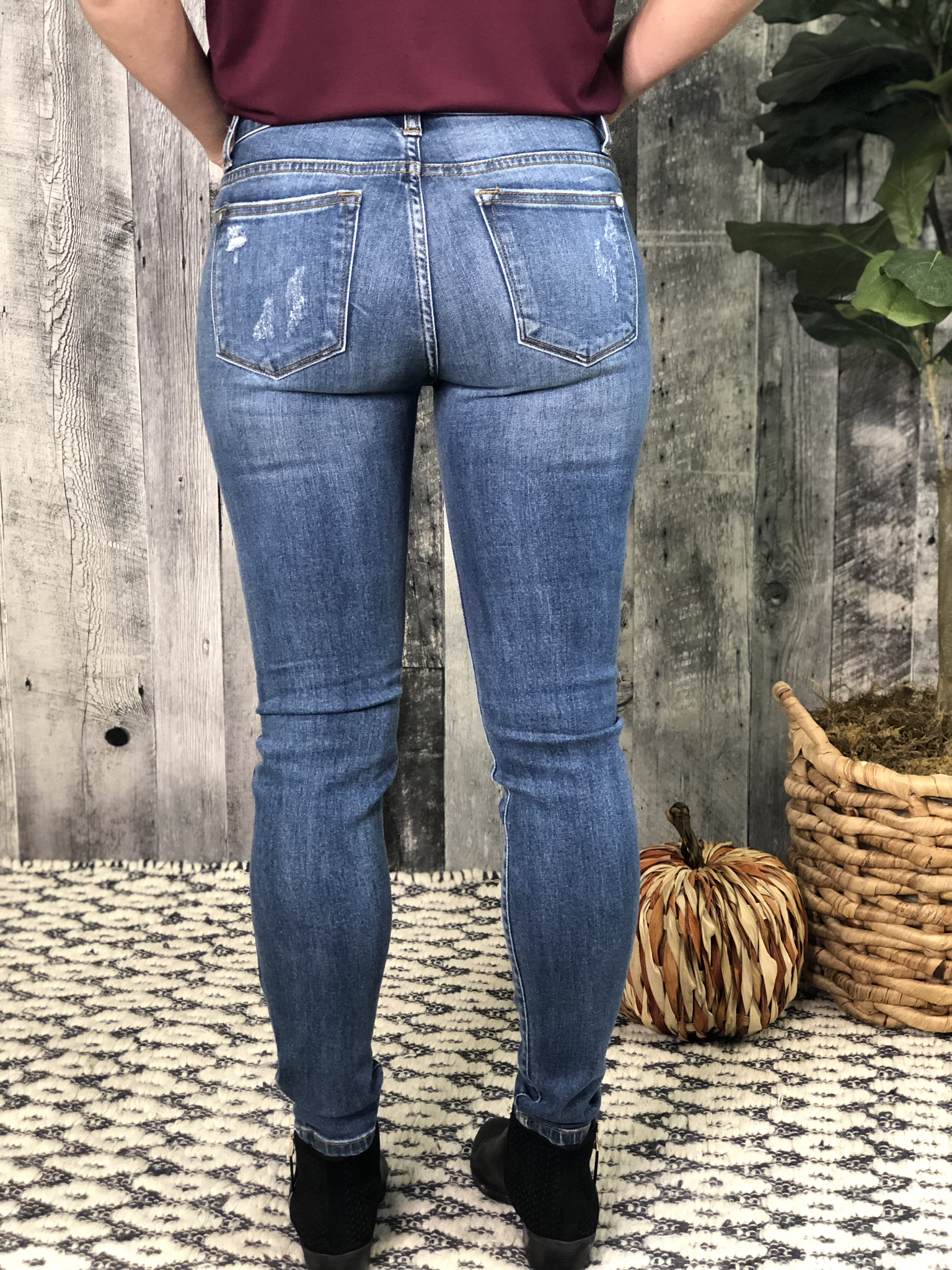 Judy Blue Light Wash Distressed Skinny Jean