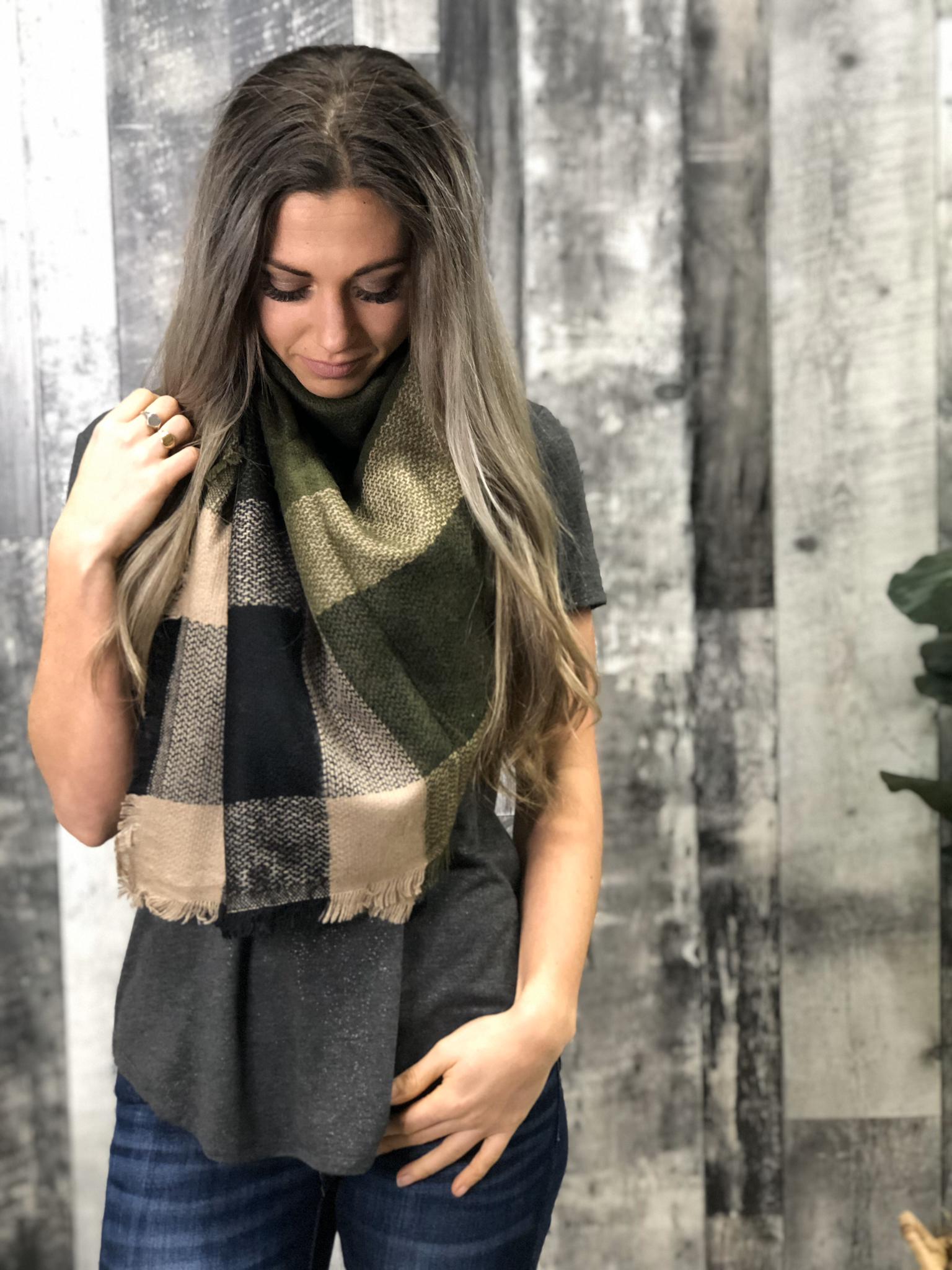 Green Blanket Scarf 845182