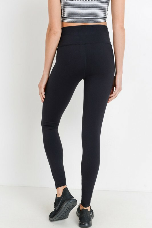 Athletic Legging - high performance basic black leggings