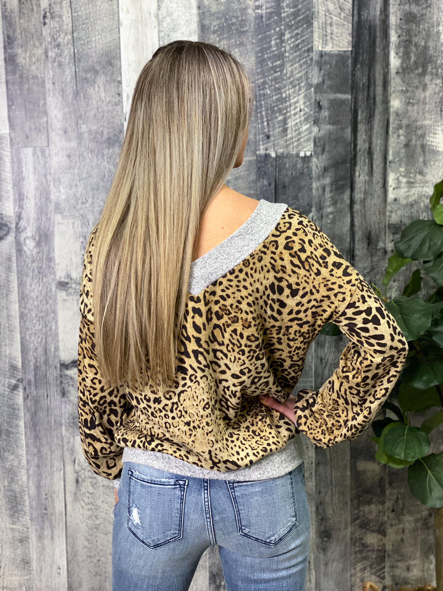 Lightweight Sweater Cheetah/Grey Top