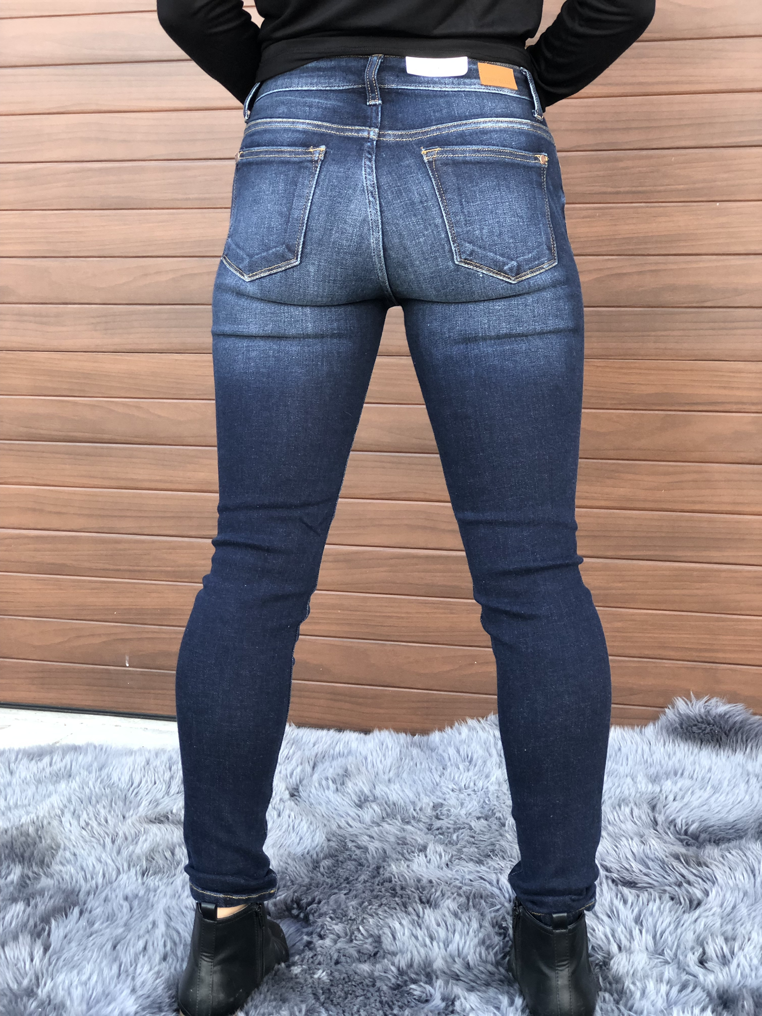 Judy Blue Dark Wash Distressed Jean Size 31 Only