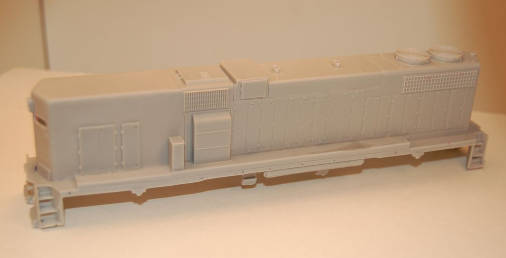 GP38-2 B Unit without Dynamic brakes, Engine Shell, HO Scale Trains, by Puttman Locomotive Works