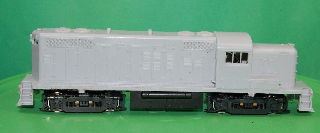 RS2M Rock Island Version, Engine Shell, HO Scale Trains, by Puttman Locomotive Works