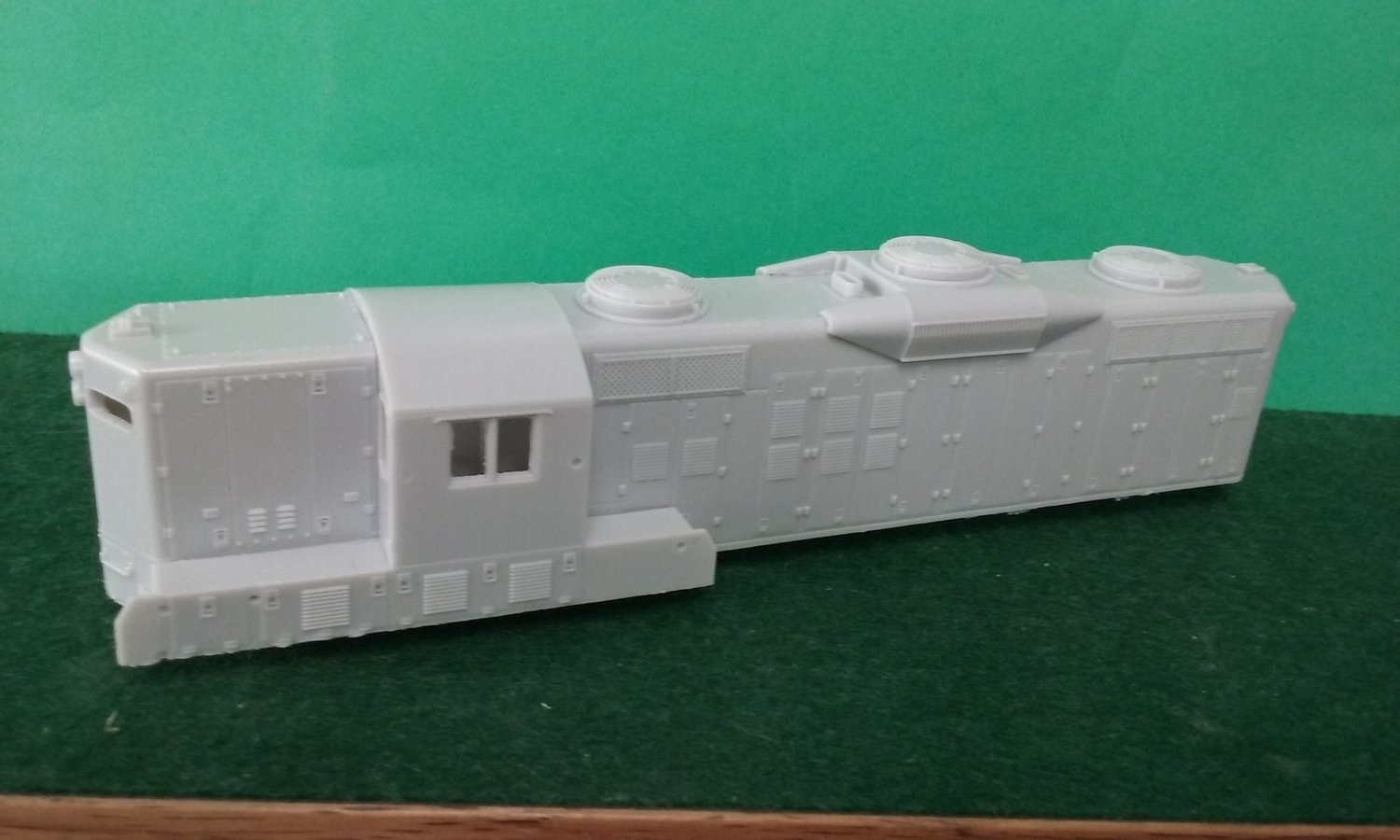 GP9 Phase 3 Atlas Conversion Body Shell, Cab, with Dynamics, HO Scale Trains