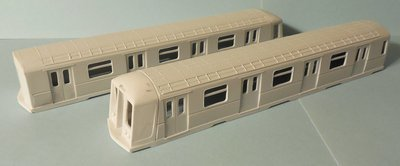 HO Scale - NYCTA R40 (slant-nose) transit car body 2-shell married pair set