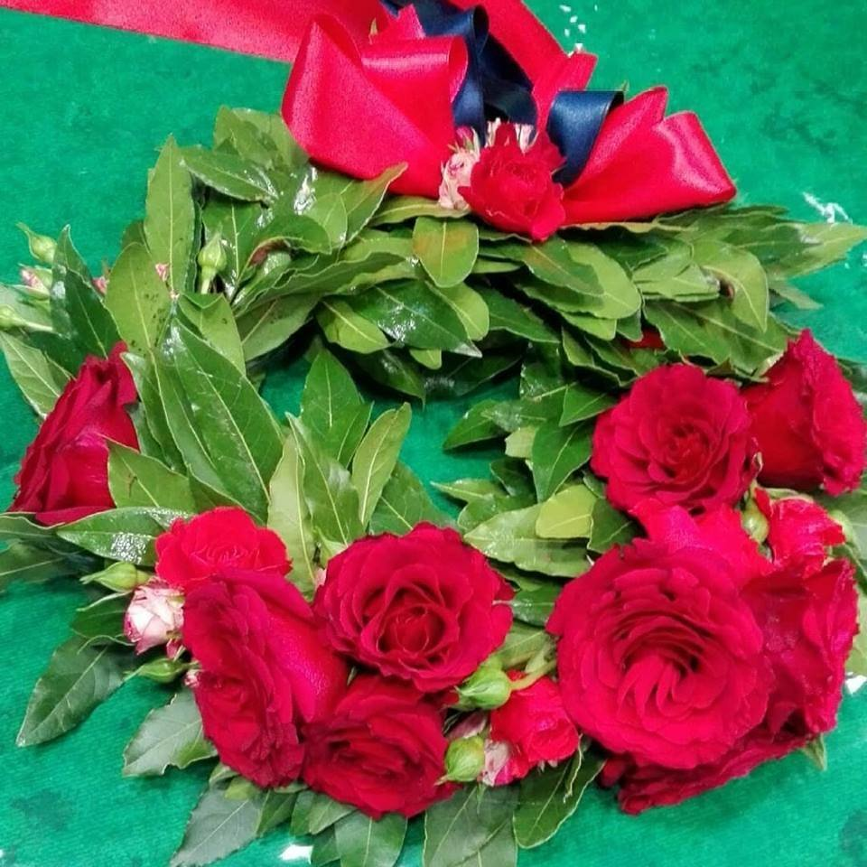 CORONA di LAUREA ROSSO con ROSE BORGOGNA