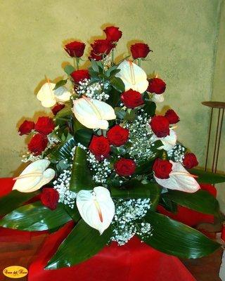 Mazzo Funebre Anthurium e Rose