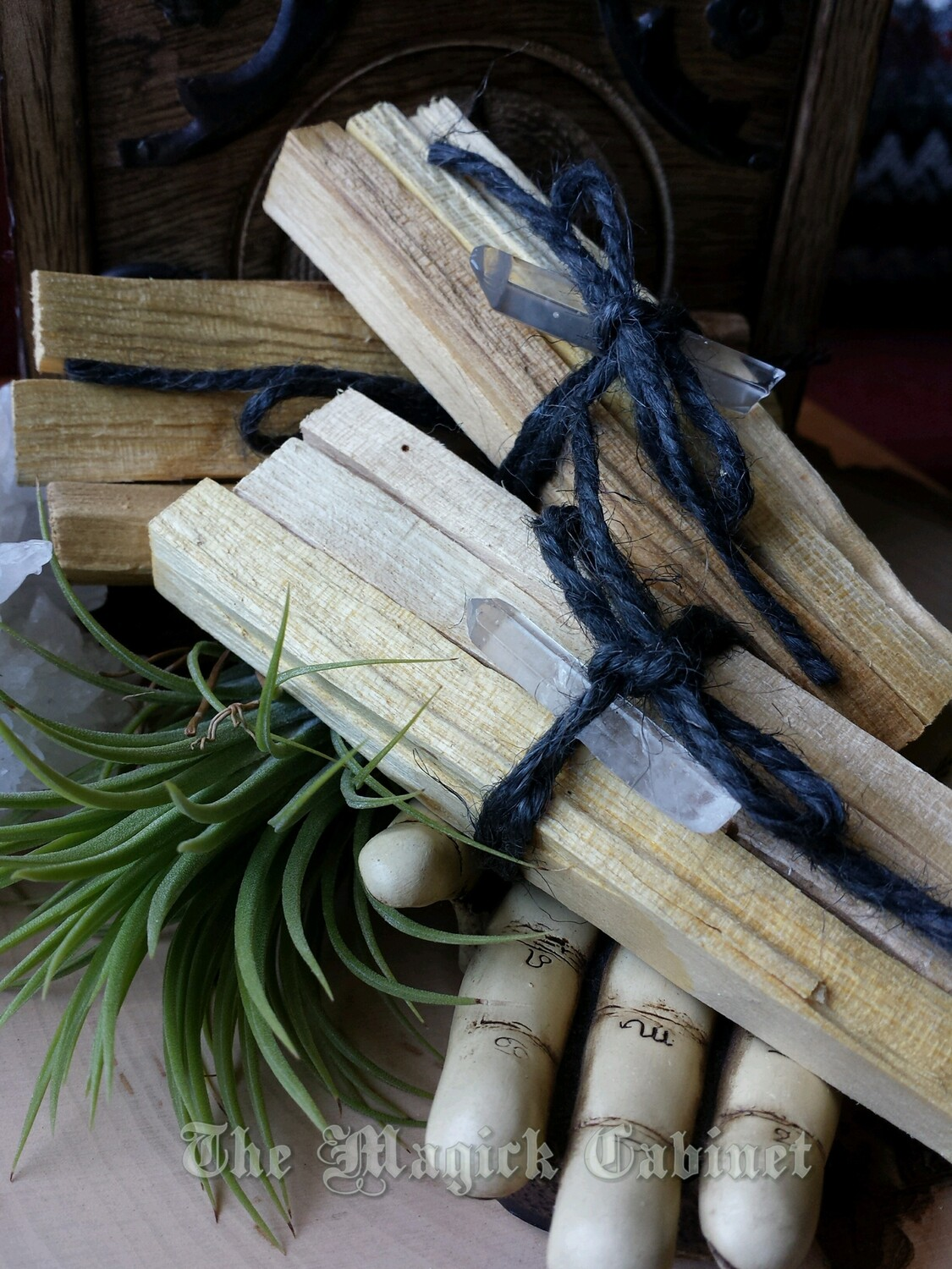Palo Santo Sticks with Lemurian Seed crystal for Clearing, Peaceful  Vibrations, Banishing Negativity and Keeping Bugs Away, Witchcraft and  Wicca