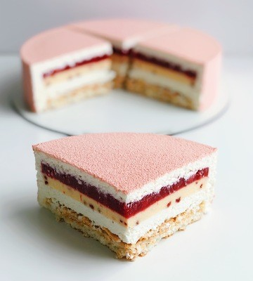 Торт Кокос-полуниця-Малібу