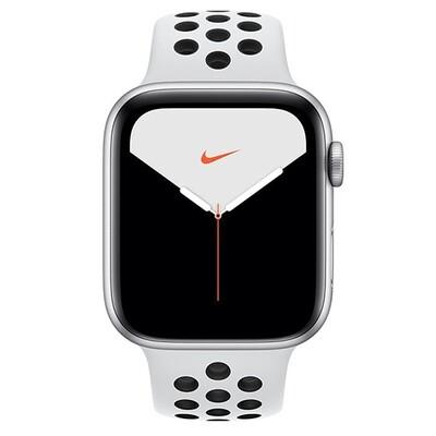 Умные часы Apple Watch Nike Series 5, 44 мм, корпус из алюминия цвета «серебристый», спортивный ремешок Nike цвета чистая платина/черный