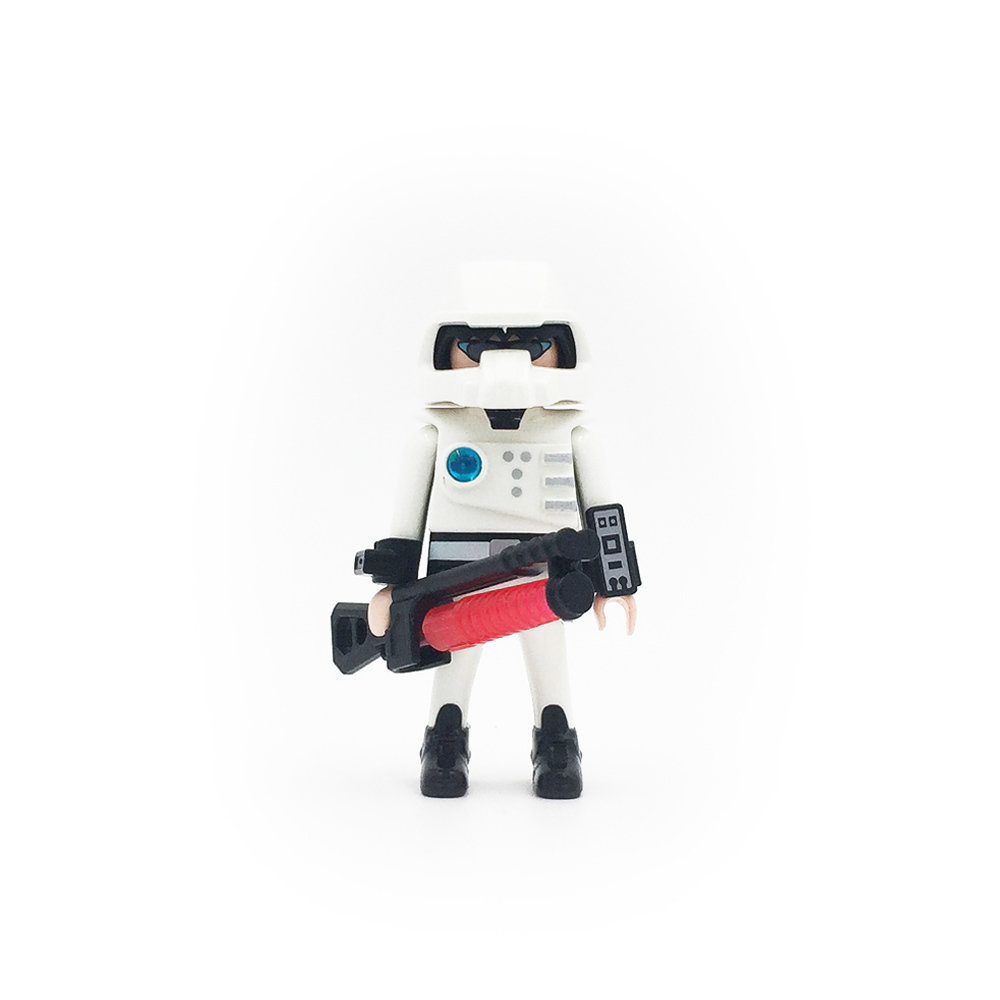 5596 Space Soldier with Laser Weapon