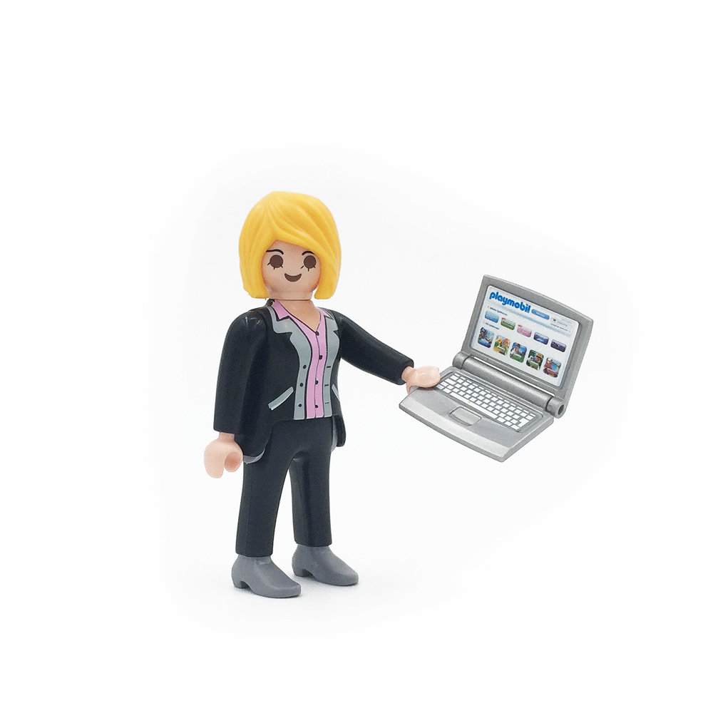 5597 Businesswoman with Laptop