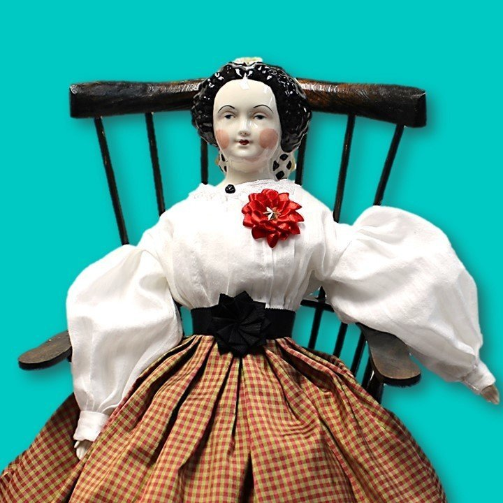 Red Secession Doll Cockade