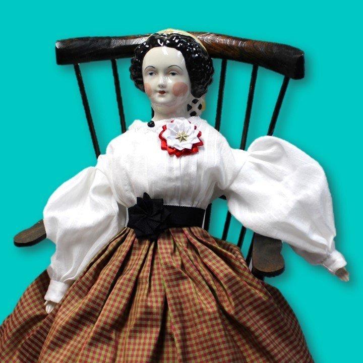 Red & White Secession Doll Cockade