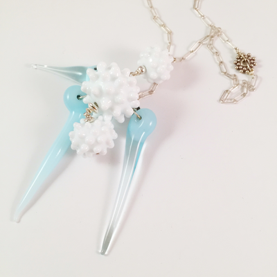 Snowball and icicle lariat