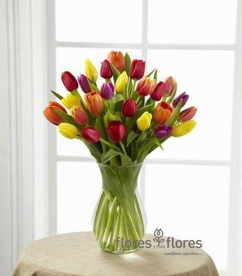T 0018 Arreglo Floral Tulipanes
