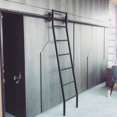 Передвижная лестница