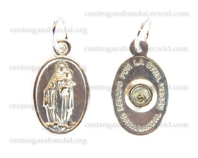 Medalla con Reliquia / Medal with Missal Kissed Relic