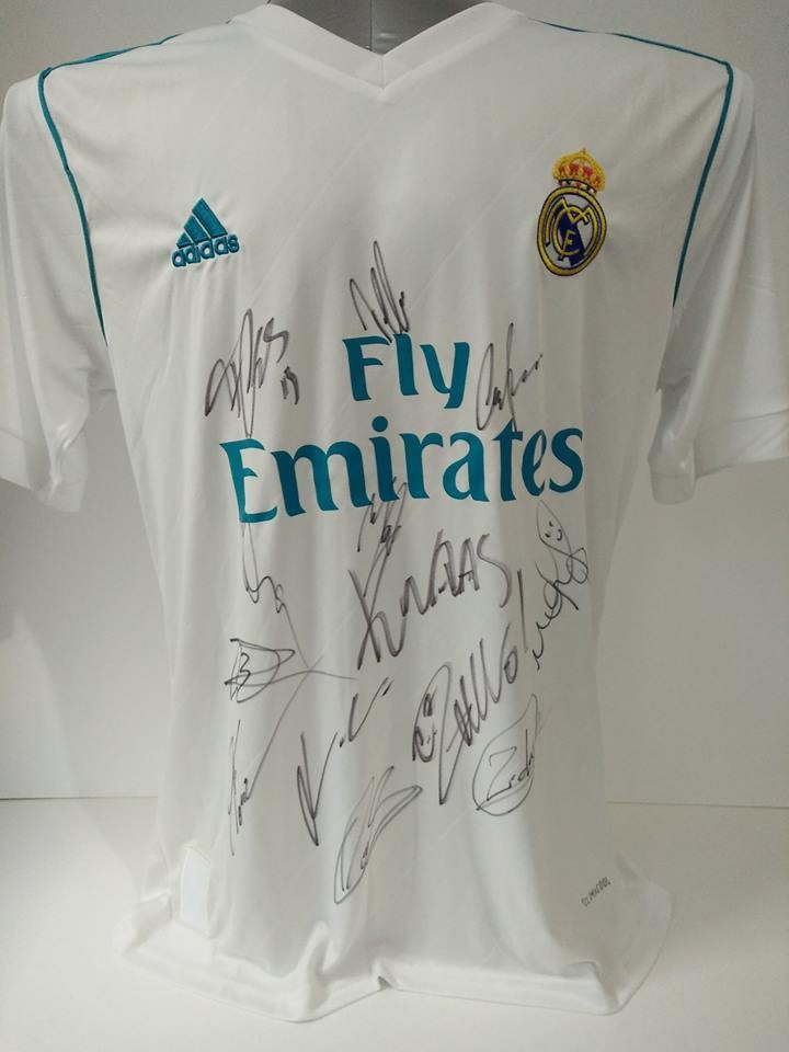Maglia REAL MADRID  2017 2018 Autografata Team Squadra Signed wich COA certificate REAL MADRID Team 2017 2018