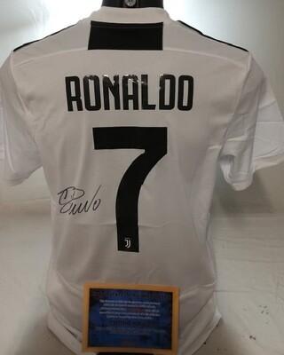 Maglia Juventus Maglia Casa 2018 2019 Autografata CR7 CRISTIANO RONALDO Signed wich COA certificate Juventus CRISTIANO RONALDO CR7 Signed 2018 2019