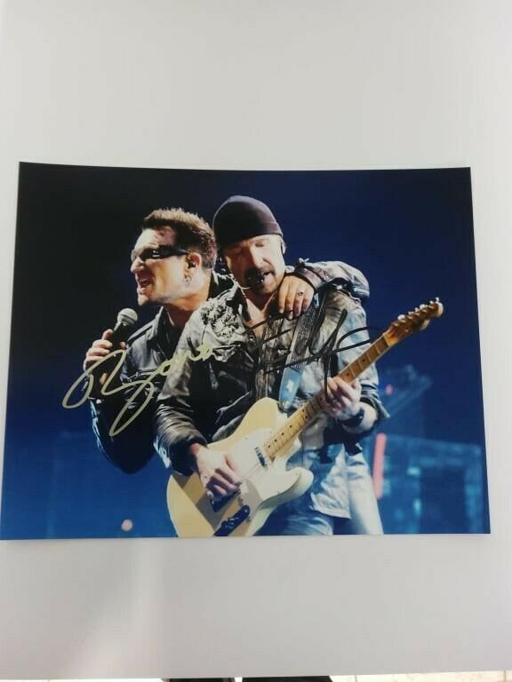FOTO Paul David Hewson Bono David Howell Evans The Edge U2 Autografata Signed + COA PhotoPaul David Hewson Bono David Howell Evans The Edge U2 Autografato Signed