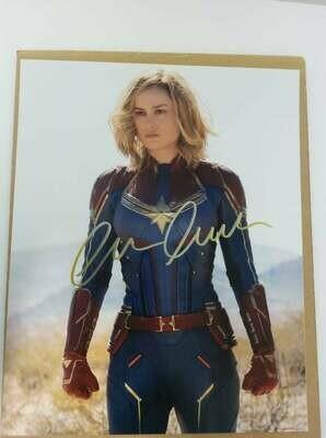 FOTO Captain Marvel Brie Larson Carol Danvers Autografata Signed + COA Photo Captain Marvel Brie Larson Carol Danvers Autografato Signed