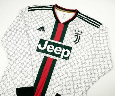 JUVENTUS X GUCCl WHITE LONG SLEEVED