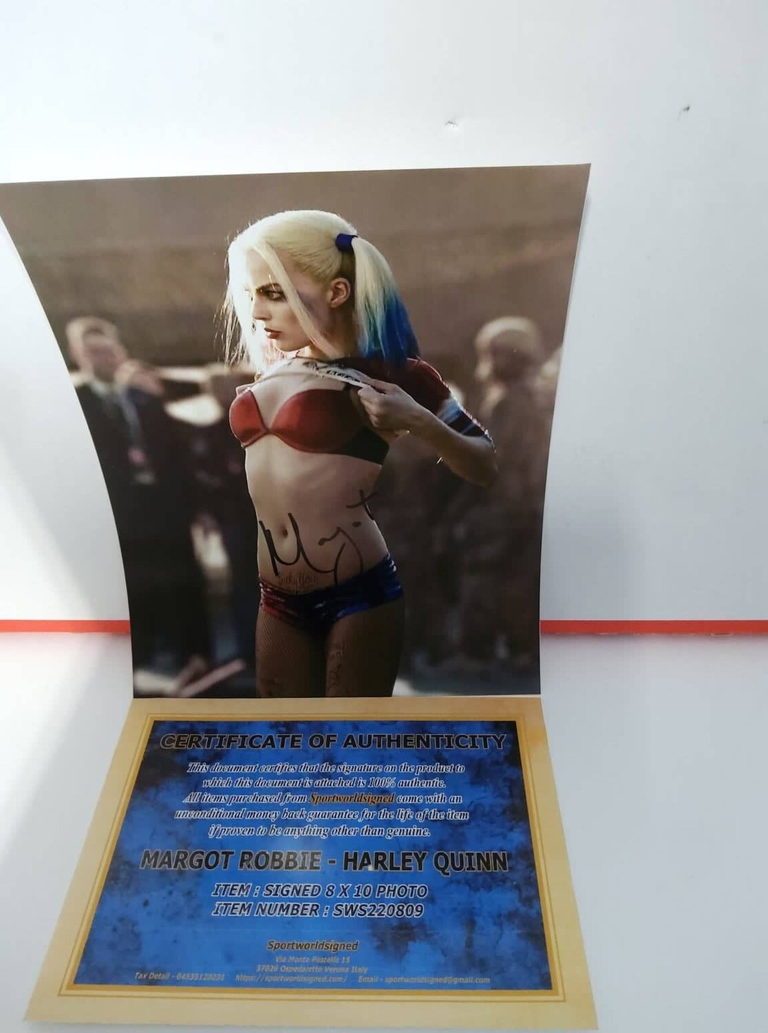 FOTO Margot Robbie Autographed Signed Photo Sexy Suicide Squad Harley Quinn + COA Photo Margot Robbie Autographed Signed Photo Sexy Suicide Squad Harley Quinn