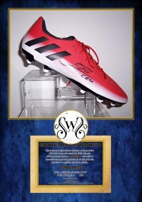 Scarpa Autografata Lionel Messi  Signed Lionel Messi with COA certificate