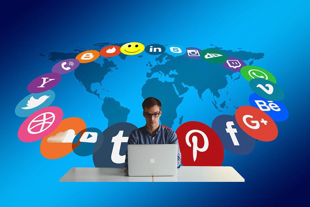 Redes Sociales 15001