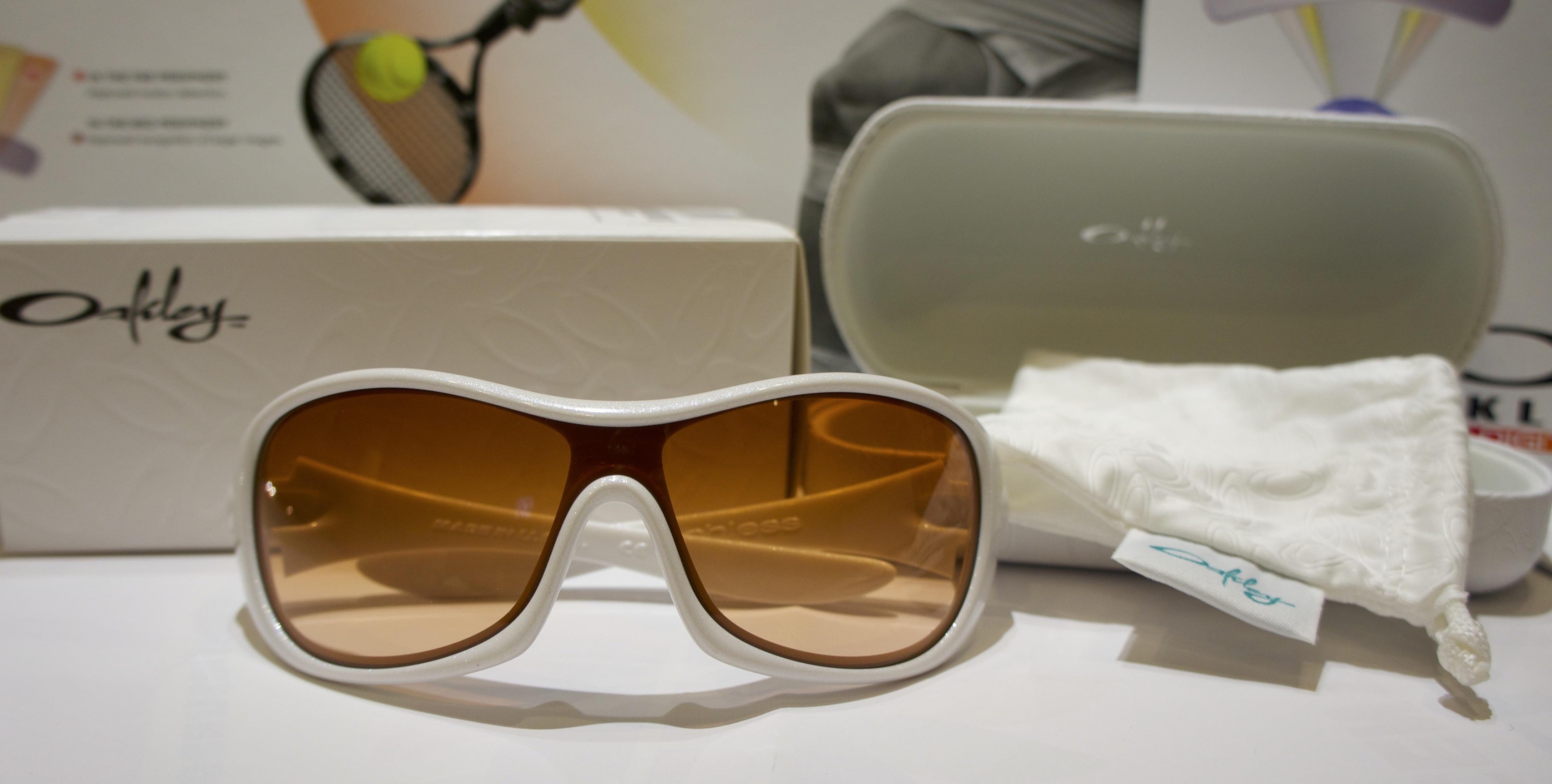 Oakley Speechless - Pearl - VR50 Brown Iridium (difettato) 9037 03-580