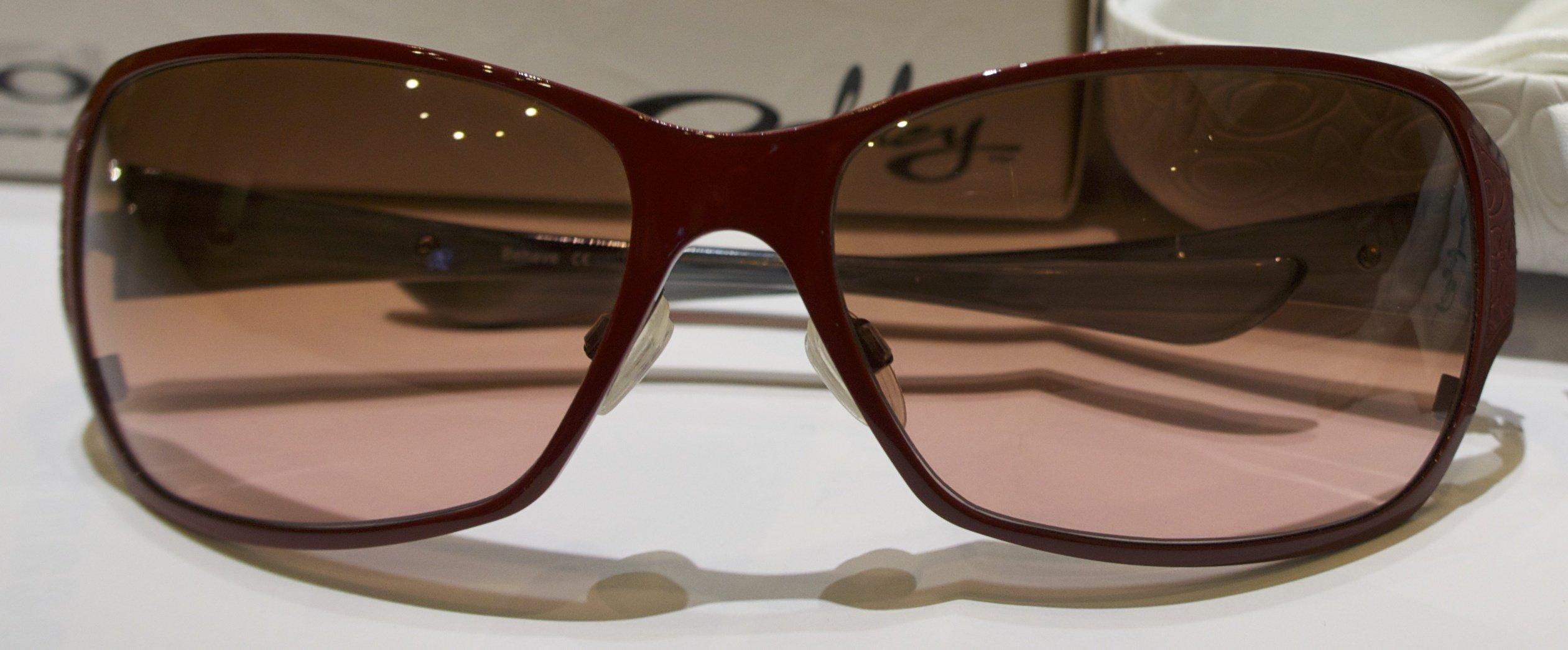 Oakley Behave - Red - G40 Black Gradient (DIFETTATE)
