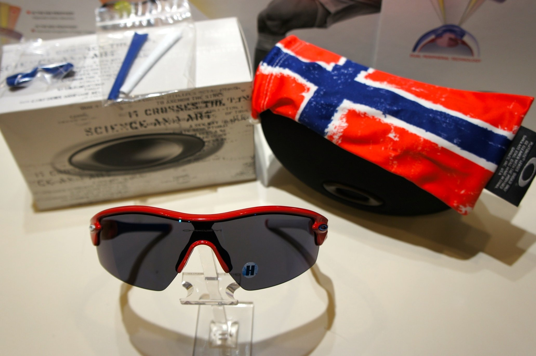 Oakley Radar Pitch Limited Edition Norway - Red w - Ice Iridium 9052 24-136