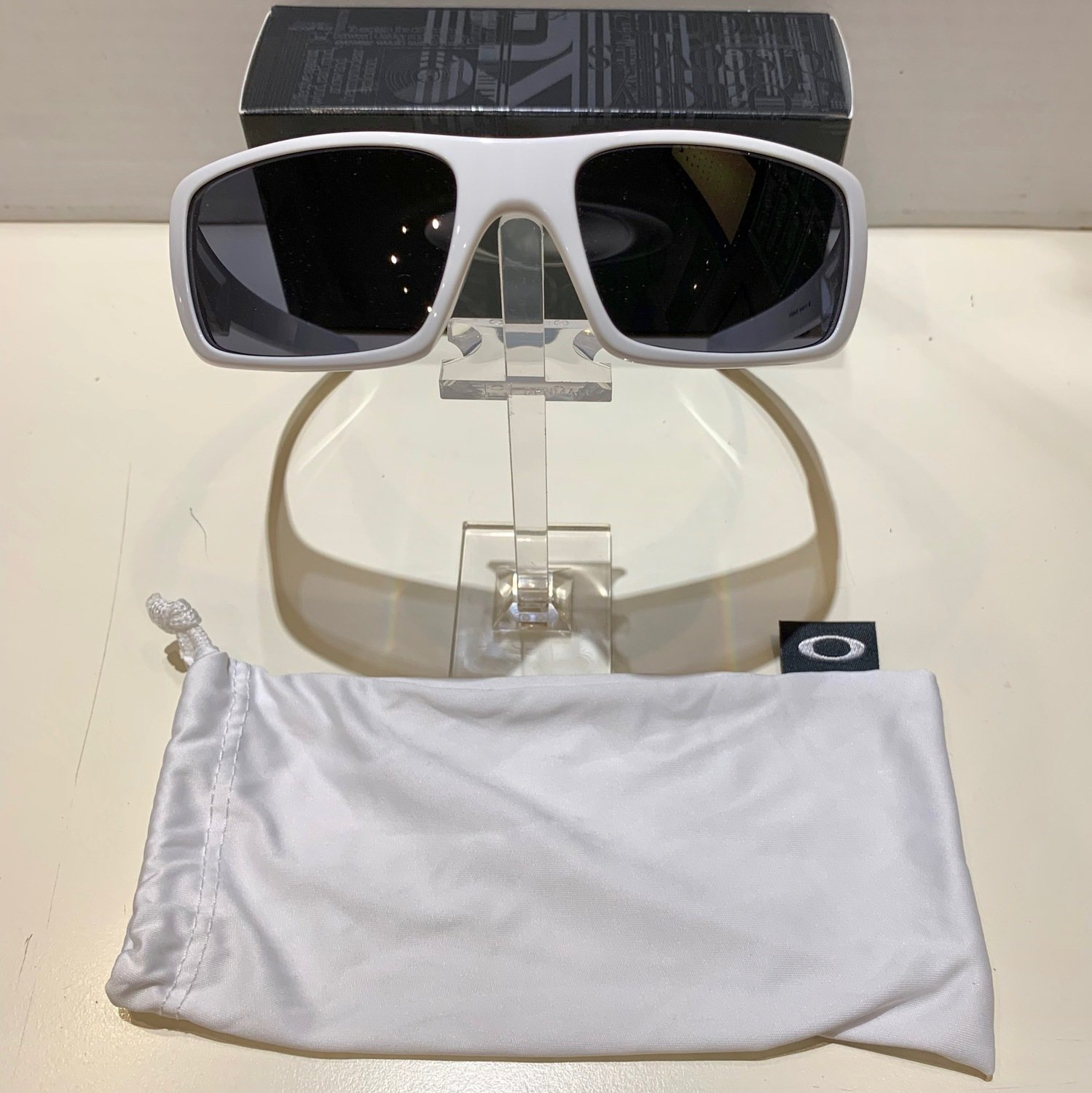 Oakley Crankshaft - Polished White - Grey