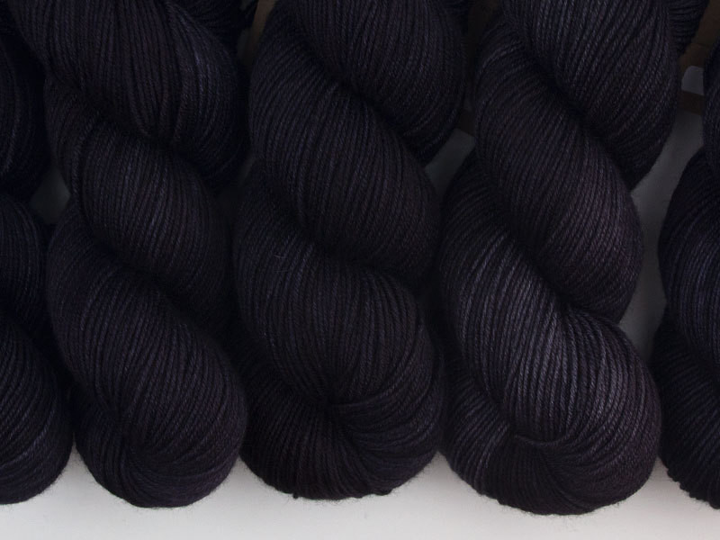 Das Mondschaf Sport Yarn Black Hole