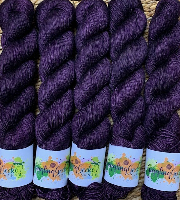 GGY GigglingGecko Tubote Yarn Eggplant