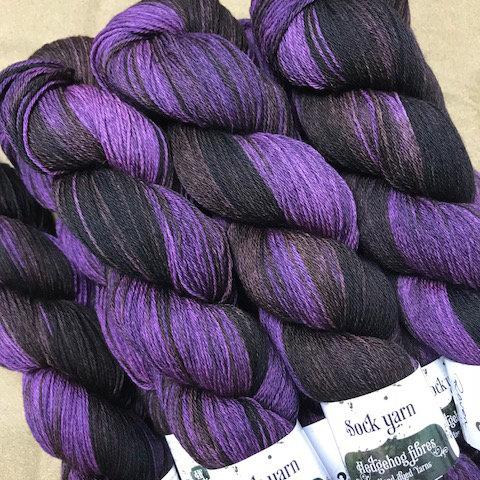 Hedgehog Raven sock Yarn