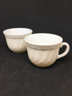 Arcopal France Vintage Pair Of Cups