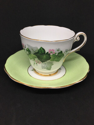 Royal Standford '2606' Ivy Tea Cup