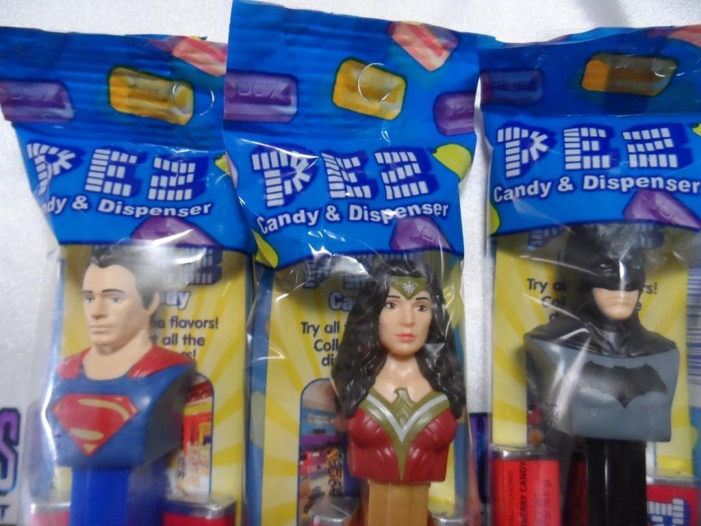 Batman V Superman Pez Dispenser Set