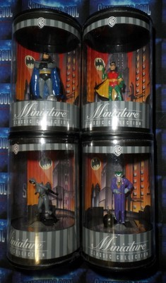 Batman: Warner Bros. Miniature Collection