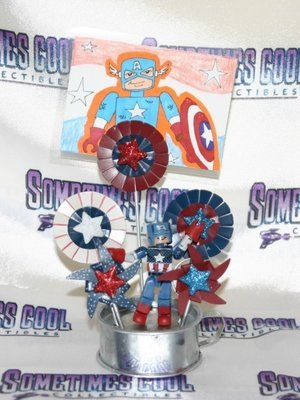 Captain America Minimate Patriotic Photo Display