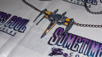 Star Wars : X-Wing Fighter Necklace (Poe's)