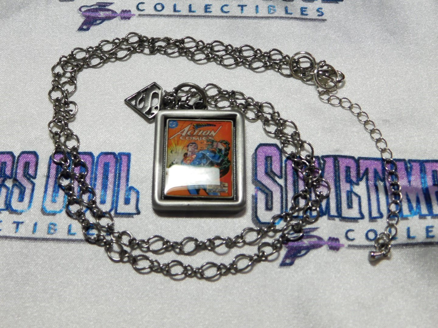 Superman Flip Cover Necklace